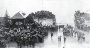 Uroczystość zaślubin Polski z morzem prowadzona przez gen. Józefa Hallera. Puck, 10 lutego 1920 r. fot. NAC